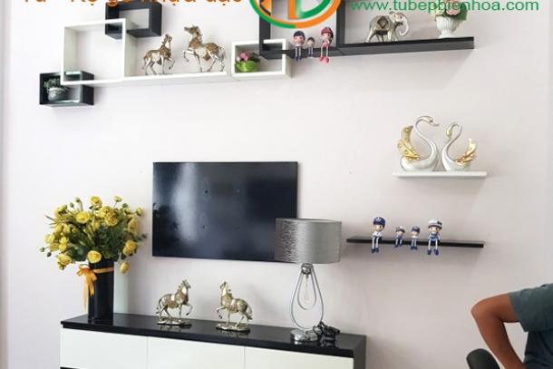 Khung kệ nhựa Acrylic trang trí nội thất