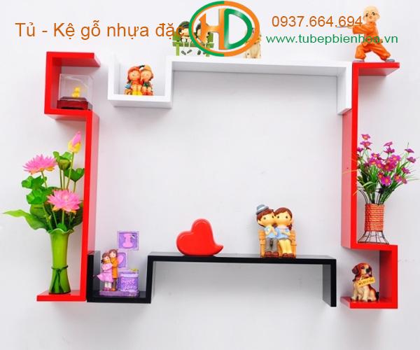kệ trang trí treo tường acrylic 2