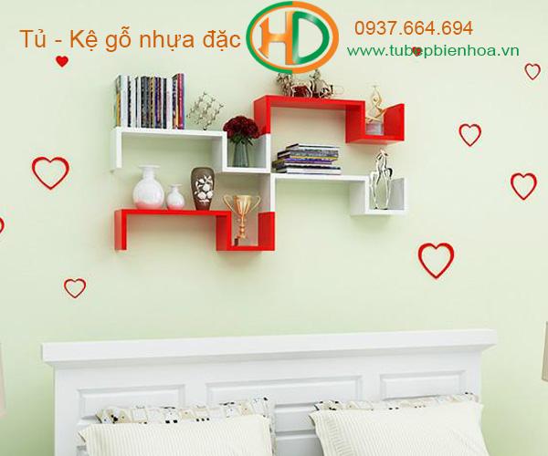 kệ trang trí treo tường acrylic 6