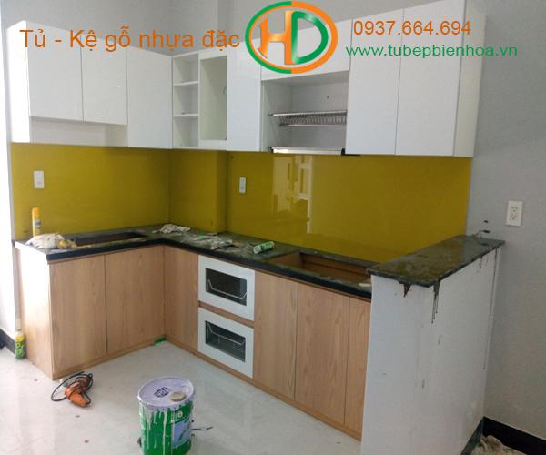 tủ bếp nhựa picomat màu vân gỗ 3